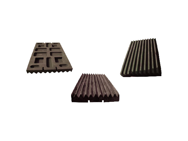 Toothed plale for jaw crusher